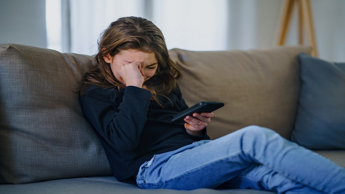 content/en-au/images/repository/isc/2021/cyberbullying.jpg